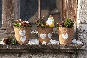 Bildnr.: 11445676<br/><b>Feature: 11445673 - Einen Blumentopf gewinnen</b><br/>Selbst gestaltete &#220;bert&#246;pfe als Mitbringsel und Winterdeko<br />living4media / Fr&#246;hlich, Heidi