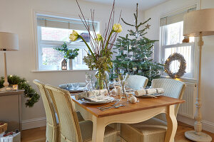 Bildno.: 11447110<br/><b>Feature: 11447100 - Hampshire Christmas</b><br/>British family decorate their cottage with a touch of English charm<br />living4media / Imri, Tim