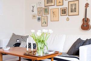 Bildnr.: 11447484<br/><b>Feature: 11447452 - Illustres Zuhause</b><br/>Kinderbuchautorin Linda liebt auch zuhause grafische Elemente, Schweden<br />living4media / M&#246;ller, Cecilia