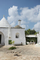 Bildno.: 11450984<br/><b>Feature: 11450940 - Luxury Lifestyle</b><br/>Luxurious Trullo house in Puglia, Italy<br />living4media / Annette &amp; Christian