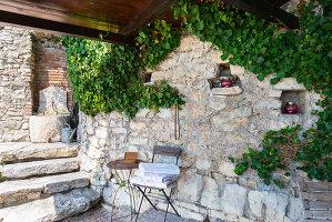 Bildno.: 11451970<br/><b>Feature: 11451948 - Lakeside Living</b><br/>Spectacular home on the western shore of Lake Garda, Italy<br />living4media / studiow&#228;lder