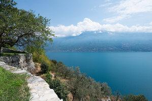 Bildno.: 11451978<br/><b>Feature: 11451948 - Lakeside Living</b><br/>Spectacular home on the western shore of Lake Garda, Italy<br />living4media / studiow&#228;lder