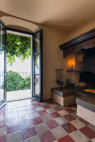 Bildno.: 11451986<br/><b>Feature: 11451948 - Lakeside Living</b><br/>Spectacular home on the western shore of Lake Garda, Italy<br />living4media / studiow&#228;lder