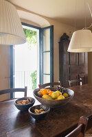 Bildno.: 11451996<br/><b>Feature: 11451948 - Lakeside Living</b><br/>Spectacular home on the western shore of Lake Garda, Italy<br />living4media / studiow&#228;lder