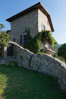 Bildno.: 11452002<br/><b>Feature: 11451948 - Lakeside Living</b><br/>Spectacular home on the western shore of Lake Garda, Italy<br />living4media / studiow&#228;lder
