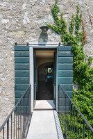 Bildno.: 11452018<br/><b>Feature: 11451948 - Lakeside Living</b><br/>Spectacular home on the western shore of Lake Garda, Italy<br />living4media / studiow&#228;lder