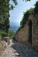 Bildno.: 11452020<br/><b>Feature: 11451948 - Lakeside Living</b><br/>Spectacular home on the western shore of Lake Garda, Italy<br />living4media / studiow&#228;lder