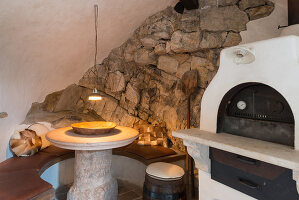 Bildno.: 11452038<br/><b>Feature: 11451948 - Lakeside Living</b><br/>Spectacular home on the western shore of Lake Garda, Italy<br />living4media / studiow&#228;lder
