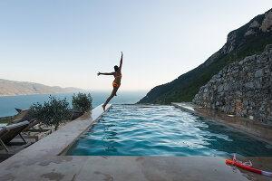Bildno.: 11452198<br/><b>Feature: 11451948 - Lakeside Living</b><br/>Spectacular home on the western shore of Lake Garda, Italy<br />living4media / studiow&#228;lder