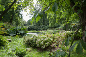 Bildno.: 11457440<br/><b>Feature: 11457439 - Sofiero Castle Garden</b><br/>Castle garden in Helsingborg, Sweden<br />living4media / Pietrek, Sibylle