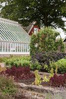 Bildno.: 11457454<br/><b>Feature: 11457439 - Sofiero Castle Garden</b><br/>Castle garden in Helsingborg, Sweden<br />living4media / Pietrek, Sibylle