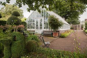 Bildno.: 11457456<br/><b>Feature: 11457439 - Sofiero Castle Garden</b><br/>Castle garden in Helsingborg, Sweden<br />living4media / Pietrek, Sibylle