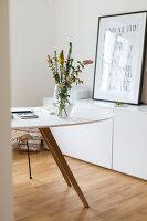 Bildno.: 11459490<br/><b>Feature: 11459484 - Decorative Touch</b><br/>Scandinavian style living room in Vienna<br />living4media / Wiener Wohnsinn