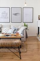 Bildno.: 11459502<br/><b>Feature: 11459484 - Decorative Touch</b><br/>Scandinavian style living room in Vienna<br />living4media / Wiener Wohnsinn