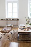 Bildno.: 11459516<br/><b>Feature: 11459484 - Decorative Touch</b><br/>Scandinavian style living room in Vienna<br />living4media / Wiener Wohnsinn