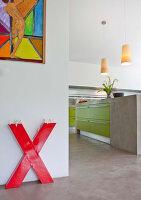 Bildnr.: 11501858<br/><b>Feature: 11501838 - Eine Einladung an die Natur</b><br/>Laetitia hat Zuhause eine Mischung aus Natur- und Design-Objekten, bei Marseille<br />living4media / Scoffoni, Anne-Catherine