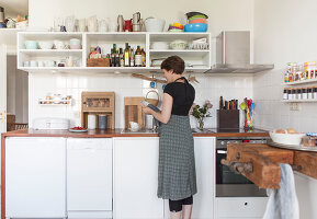Bildno.: 11507534<br/><b>Feature: 11507509 - Designing Dishes</b><br/>Apartment and porcelain studio in Berlin<br />living4media / Scoffoni, Anne-Catherine