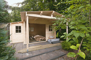 Bildno.: 11507890<br/><b>Feature: 11507825 - D-I-Y Garden Shed</b><br/>The perfect solution for storage of garden equipment<br />living4media / Selbermachen Media / Krebs, Eike