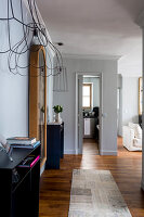 Bildno.: 11508866<br/><b>Feature: 11508864 - Parisian Nest</b><br/>In the very center of the Ile Saint-Louis, a home full of charm<br />living4media / Hallot, Olivier