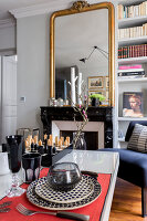 Bildno.: 11508872<br/><b>Feature: 11508864 - Parisian Nest</b><br/>In the very center of the Ile Saint-Louis, a home full of charm<br />living4media / Hallot, Olivier