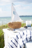 Bildnr.: 11510108<br/><b>Feature: 11510101 - Strandhaus-Deko</b><br/>Ein blaues Strandhaus mit maritimen Deko-Ideen<br />living4media / Greenhaus Press