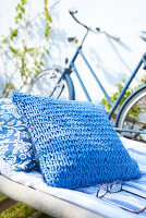 Bildnr.: 11510138<br/><b>Feature: 11510134 - Nimm&#39;s Denim!</b><br/>DIY, N&#228;hen und Deko mit Blue Jeans<br />living4media / Greenhaus Press