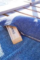 Bildnr.: 11510164<br/><b>Feature: 11510134 - Nimm&#39;s Denim!</b><br/>DIY, N&#228;hen und Deko mit Blue Jeans<br />living4media / Greenhaus Press