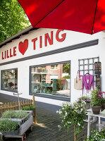 Bildnr.: 11512300<br/><b>Feature: 11512267 - Strandgutsammler</b><br/>Das Zuhause von Tina Firk in Hamburg ist inspiriert von Skandinavischen Str&#228;nden<br />living4media / Wentorf, Eckard