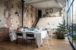 Bildnr.: 11515044<br/><b>Feature: 11515039 - Die alte Scheune</b><br/>Ein 400 Jahre altes Haus und seine Scheune wurden zum Vintage-Wohntraum, FR<br />living4media / Scoffoni, Anne-Catherine