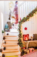 Bildno.: 11515640<br/><b>Feature: 11515614 - Decking the Halls</b><br/>How to create an inviting entry area for the holiday season<br />living4media / Bildh&#252;bsch