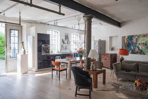 Bildno.: 11516900<br/><b>Feature: 11516899 - Keyed-Up Charm</b><br/>A former locksmith&#39;s workshop is now a comfortable home in Hamburg<br />living4media / Wentorf, Eckard