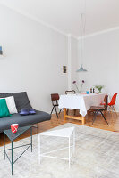 Bildno.: 11948758<br/><b>Feature: 11948740 - Small Budget - Big Effects</b><br/>Young and trendy apartment in Berlin<br />living4media / Scoffoni, Anne-Catherine