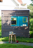 Bildno.: 11949572<br/><b>Feature: 11949534 - Jennie&#39;s Playhouse</b><br/>An artist&#39;s home in Varberg, Sweden spills over with joie de vivre<br />living4media / Brandt, Jenny