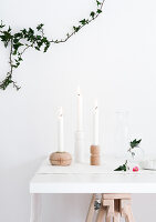 Bildno.: 11952756<br/><b>Feature: 11952744 - Shedding Light</b><br/>DIY Candle holders made from furniture legs<br />living4media / Dimmich, Agata