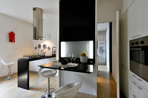 Bildno.: 11952934<br/><b>Feature: 11952933 - Space Wonder</b><br/>Full function in just 39 sq. mtrs. in this Milan apartment<br />living4media / Maulini, Pier