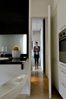 Bildno.: 11952938<br/><b>Feature: 11952933 - Space Wonder</b><br/>Full function in just 39 sq. mtrs. in this Milan apartment<br />living4media / Maulini, Pier