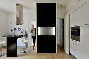 Bildno.: 11952948<br/><b>Feature: 11952933 - Space Wonder</b><br/>Full function in just 39 sq. mtrs. in this Milan apartment<br />living4media / Maulini, Pier