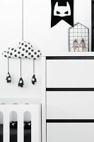 Bildno.: 11953530<br/><b>Feature: 11953492 - Know Your Style</b><br/>White, black and grey are the only colours in this home in Estonia<br />living4media / K&#252;barsepp, Juta