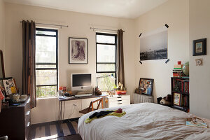 Bildno.: 11953806<br/><b>Feature: 11953797 - Cosy Urban Retreat</b><br/>Young collectors&#39; home in Brooklyn<br />living4media / Cawley, Julia