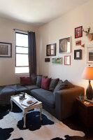 Bildno.: 11953818<br/><b>Feature: 11953797 - Cosy Urban Retreat</b><br/>Young collectors&#39; home in Brooklyn<br />living4media / Cawley, Julia