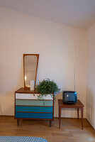 Bildno.: 11956164<br/><b>Feature: 11956152 - Mid-Century Italian Charm</b><br/>An architect&#39;s showroom in Sarzana, Italy<br />living4media / Tamborra, Enza