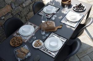 Bildnr.: 11956256<br/><b>Feature: 11956240 - R&#252;ckzug vom Alltag</b><br/>Ferienhaus in Italien &#252;berzeugt mit Einfachheit und Charme<br />living4media / Tamborra, Enza