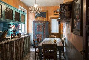 N° de l'image 11956780<br/><b>Reportage: 11956759 - Handmade Fantasies</b><br/>The home of an Italian lamp and fashion designer in Italy<br />living4media / Tamborra, Enza