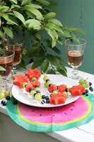 Bildno.: 11957530<br/><b>Feature: 11957515 - Fun with Watermelons</b><br/>Six easy projects that spell Summer<br />living4media / R&#252;ggeberg, Thordis