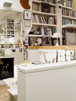 Bildnr.: 11963056<br/><b>Feature: 11963032 - Jahr f&#252;r Jahr</b><br/>Nach zehn Jahren Gestaltung ist K&#252;nstlerin Sue mit ihrem Zuhause fertig, London<br />living4media / Hogan, Sarah