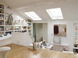 Bildnr.: 11963060<br/><b>Feature: 11963032 - Jahr f&#252;r Jahr</b><br/>Nach zehn Jahren Gestaltung ist K&#252;nstlerin Sue mit ihrem Zuhause fertig, London<br />living4media / Hogan, Sarah