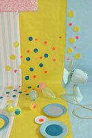 Bildno.: 11969216<br/><b>Feature: 11969213 - Point of View</b><br/>Dots and spots decorate these fun interior accessories<br />living4media / Studio27neun