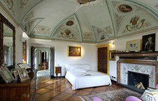 Bildno.: 11973238<br/><b>Feature: 11973220 - Noble Residence</b><br/>A &quot;Palazetto&quot; full of historic details in Piedmont, Italy<br />living4media / Maulini, Pier