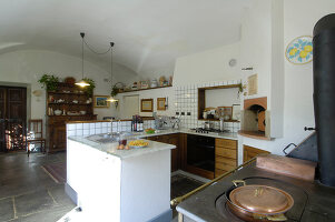 Bildno.: 11973244<br/><b>Feature: 11973220 - Noble Residence</b><br/>A &quot;Palazetto&quot; full of historic details in Piedmont, Italy<br />living4media / Maulini, Pier