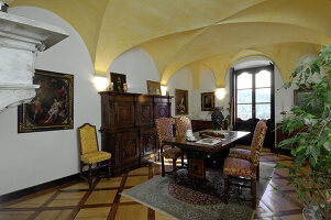 Bildno.: 11973248<br/><b>Feature: 11973220 - Noble Residence</b><br/>A &quot;Palazetto&quot; full of historic details in Piedmont, Italy<br />living4media / Maulini, Pier
